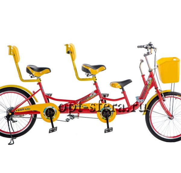 тандемный велосипед с детским сиденьем